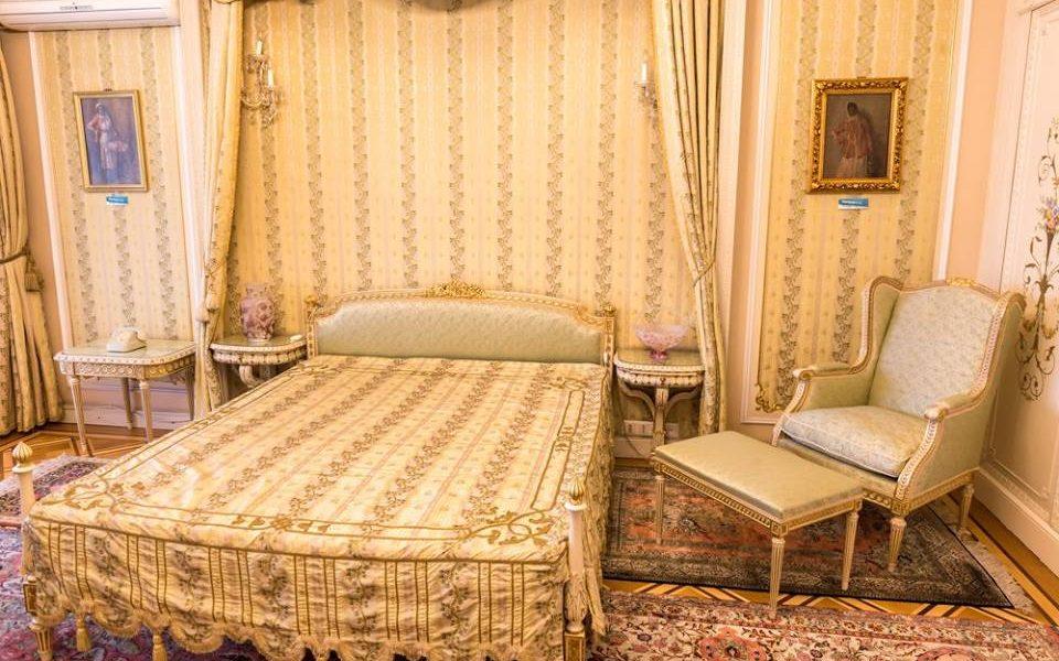 ceausesku bedroom