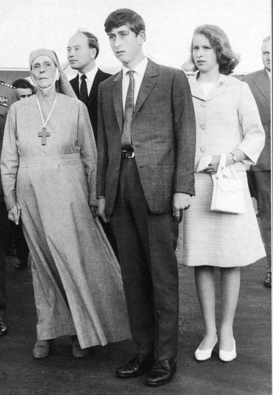 Πριγκηπας Καρολος με τη γιαγια του